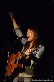Alicia Ramos (cantante): «La censura más grave es la que la ciudadanía se  aplica a sí misma» | dosmanzanas – La web de noticias LGTB